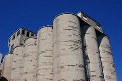 wietrzejący betonowi silosy Fotografia Stock