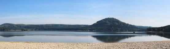 Wiev Panoramatic к озеру Machas от главного пляжа чехословакский ландшафт Стоковые Фото