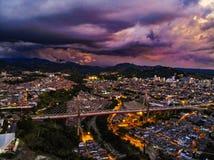 wieviele Farben Sie in der Hauptstadt der Achse in einem Sonnenuntergang sehen können stockbild
