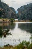 Wiew da passagem do lago e das montanhas Imagem de Stock Royalty Free