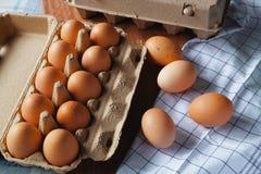 Świezi i organicznie jajka od organicznie jajka gospodarstwa rolnego, zdrowy karmowy produ Obraz Stock