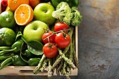 Świezi kolorowi warzywa i owoc Obraz Royalty Free