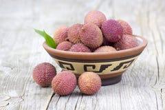 Świezi lychees w pucharze Fotografia Stock