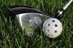 wiffle гольфа водителя шарика пластичное белое Стоковые Фото