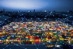Wifi象和市scape和网络连接概念,聪明的城市 免版税图库摄影