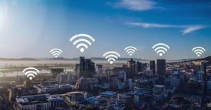 Wifi ikony w mieście Zdjęcia Royalty Free