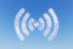 WIFI moln på himmel Arkivbilder