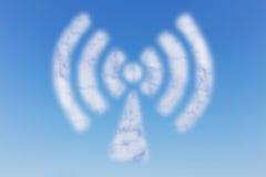 WIFI-Wolke auf Himmel Lizenzfreie Stockfotos