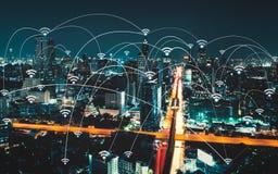 Wifipictogram en stad scape en netwerkverbinding Royalty-vrije Stock Foto
