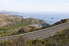 Wijąca Nabrzeżna droga Zdjęcie Royalty Free