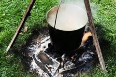 Wij koken soep bij de staak Royalty-vrije Stock Foto's