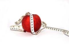 Wij letten op het dieet, overwegen wij calorieën Stock Foto