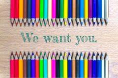 Wij willen u op de houten achtergrond van het kleurenpotlood/bedrijfsconcept Royalty-vrije Stock Foto