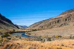 Wijący rzeka krajobraz Obrazy Royalty Free