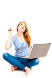 Wijfje 25 jaar oud met laptop Stock Foto's