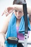 Wijfje na cardiotraining Stock Fotografie