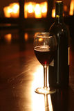 Wijn & Fles met kaarsen royalty-vrije stock foto's