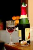 Wijn bij romantische nacht Stock Foto's