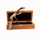 Wijn botle opener met houten die geval op wit wordt geïsoleerd Royalty-vrije Stock Fotografie