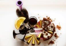 Wijn, cakes en suikergoed Stock Fotografie