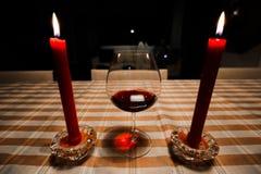Wijn en kaarsen Royalty-vrije Stock Foto's