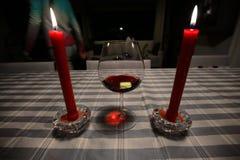 Wijn en kaarsen Stock Afbeelding