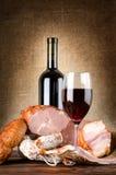 Wijn en vlees stock fotografie