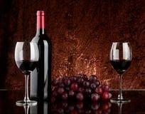 Wijn op lijst Stock Foto