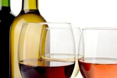 Wijn op witte achtergrond Stock Foto