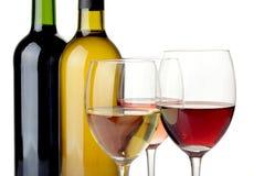 Wijn op witte achtergrond Royalty-vrije Stock Foto's