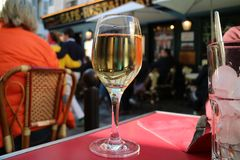Wijn in Parijs stock foto's