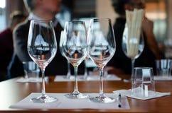 Wijn proevende lijst stock foto's