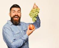 Wijnbouw en het tuinieren concept Winegrower met opgewekt gezicht royalty-vrije stock fotografie