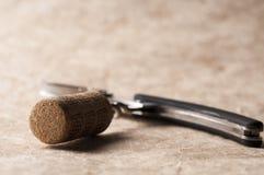 Wijncork in kurketrekker Stock Foto