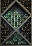 Wijnen op Wijnrek Royalty-vrije Stock Afbeeldingen