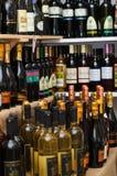 Wijnen van verschillende landen Royalty-vrije Stock Afbeeldingen