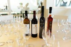 Wijnendegustation in Koutsoyannopoulos-Wijnmuseum Royalty-vrije Stock Afbeelding