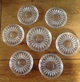 Wijnfles en de onderleggers voor glazen van het wijnglas Stock Afbeeldingen