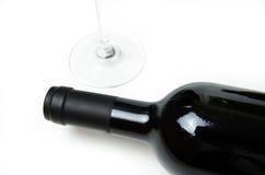 Wijnfles en glas Stock Foto's