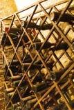 wijnflessen in archiefkelder, Ezerjo, Hongarije stock foto's