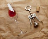 Wijnglas, cork en kurketrekker Royalty-vrije Stock Foto