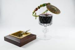 Wijnglas en sigaret Royalty-vrije Stock Afbeelding