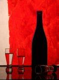 Wijnglazen en een fles Royalty-vrije Stock Fotografie