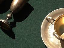 Wijnoogst cookware in de markt wordt verkocht die Stock Foto
