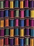 Wijnoogst gekleurde spoelen Stock Afbeeldingen