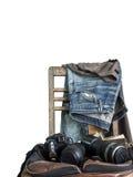 Wijnoogst, Jeans op een houten stoel Royalty-vrije Stock Foto's