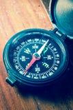 Wijnoogst van kompas wordt gefiltreerd dat Royalty-vrije Stock Afbeelding
