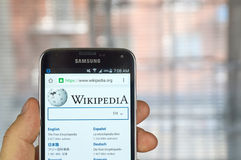 Wikipedia App Editorial Image Image - Wikipedia royalty free images