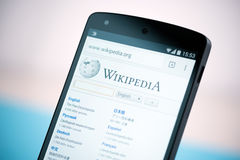 Wikipedia website on Google Nexus 5 Royalty Free Stock Image