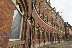Wiktoriański czerwonej cegły trzy kondygnaci rząd w ulicie Zdjęcia Royalty Free
